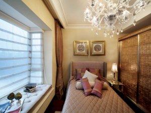 法式风格次卧定制衣柜效果图 复古色衣柜门图片