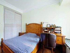 古典风格卧室灰色衣柜门装修效果图 推拉门衣柜图片