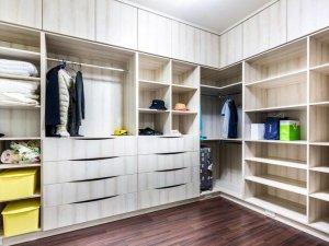 简约原木色衣帽间衣柜效果图 开放式衣柜内部设计图