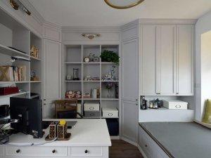 简约书房榻榻米衣柜装修效果图 白色整体衣柜效果图