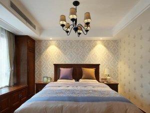 美式卧室装修效果图 飘窗实木衣柜图片
