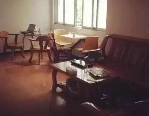 客厅发展史,岁月变更承载爱的空间!_3